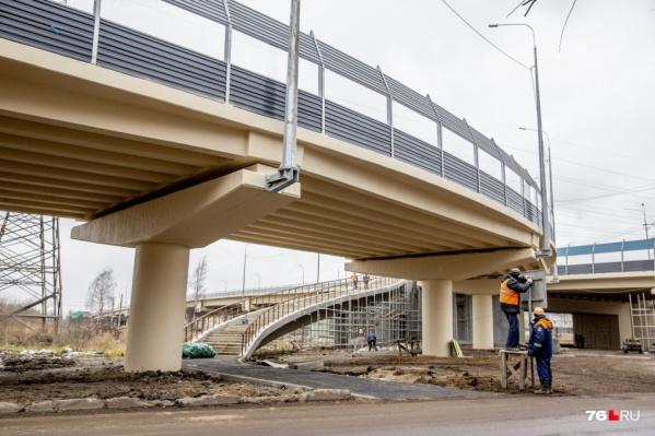 На ремонт путепровода потратили уже больше миллиарда рублей