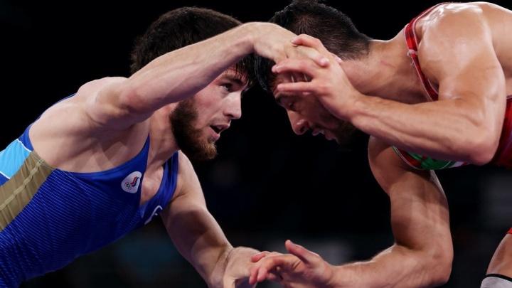 Завур Угуев принес России золото Олимпиады в вольной борьбе