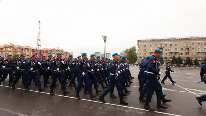Салют в честь Дня Победы: онлайн-репортаж с празднования 9 Мая в Ростове