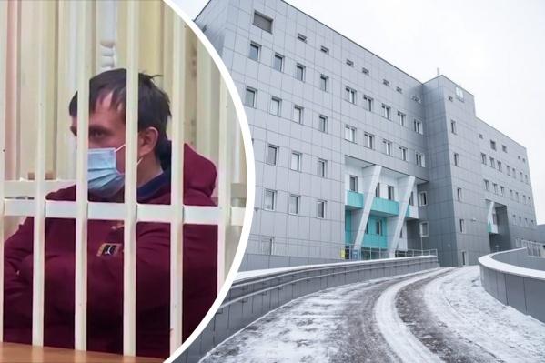 Слева — подозреваемый в хищении глава фирмы, справа — красноярский онкоцентр