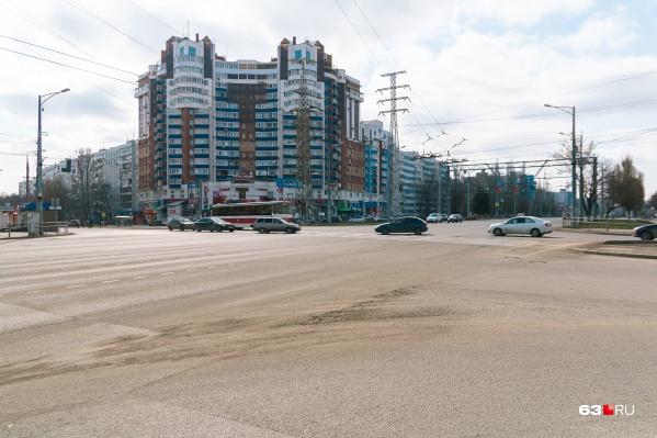 Теперь автобусы останавливаются после поворота с Ново-Вокзальной