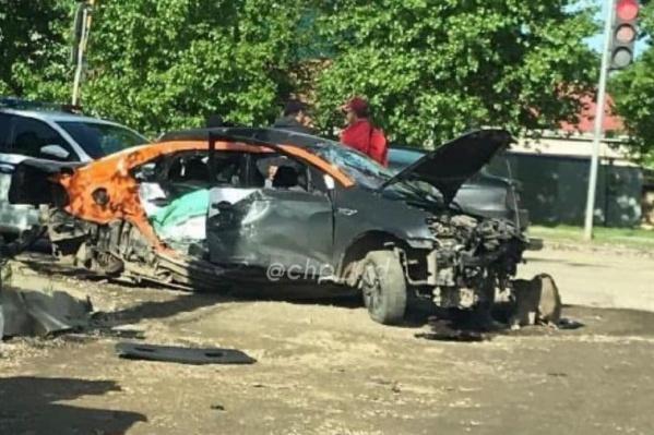 Машина серьезно пострадала в аварии