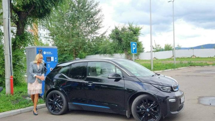 В Красноярске запустили первую быструю зарядную станцию для электромобилей
