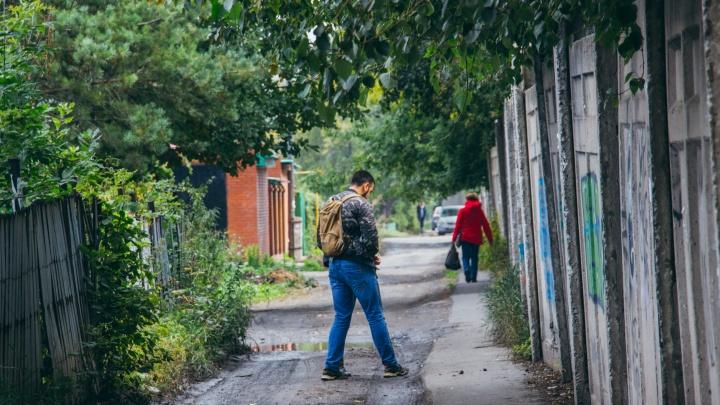 В частном секторе Омска заасфальтируют 28 дорог. Рассказываем какие