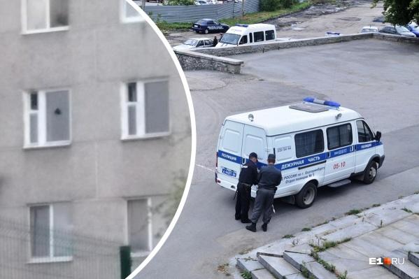 Жильцы дома вызвали полицию, испугавшись, что кто-то стреляет в квартире