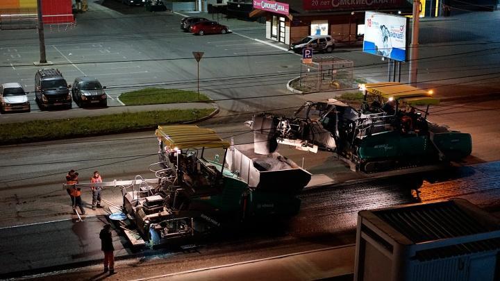 Омской области дали дополнительный миллиард на ремонт дорог. Мы узнали каких