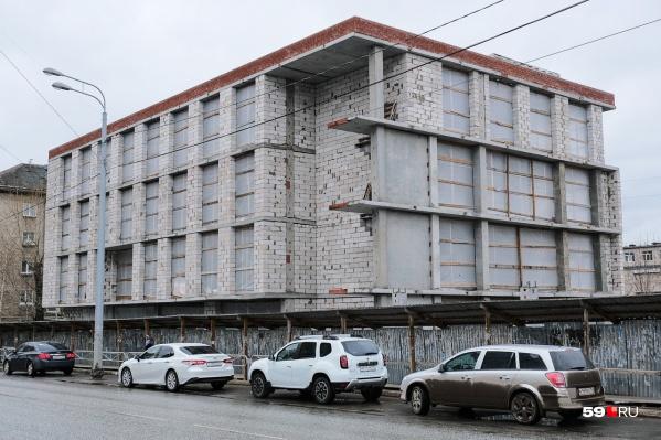 Здание находится по адресу Екатерининская, 176