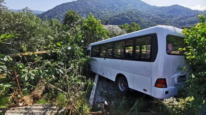 Если бы не эта «Газель», мы бы не выжили: пассажир автобуса рассказал о ДТП в Сочи