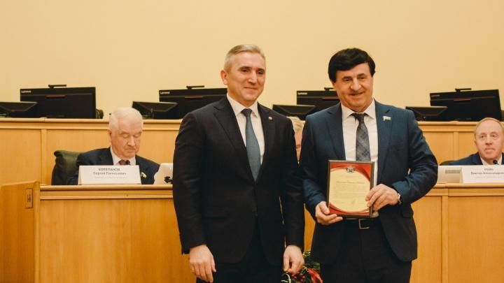На предприятии депутата-единоросса из Тюменской области задержали зарплату