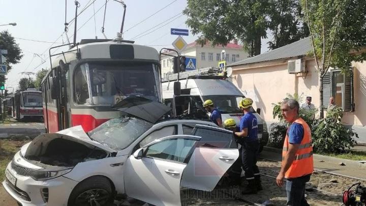 Водитель был пьян. В Краснодаре будут судить парня после ДТП с трамваем, где погибла девушка