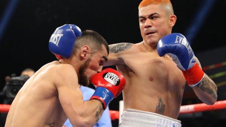 В США уральский боксер лишил американца титула чемпиона мира
