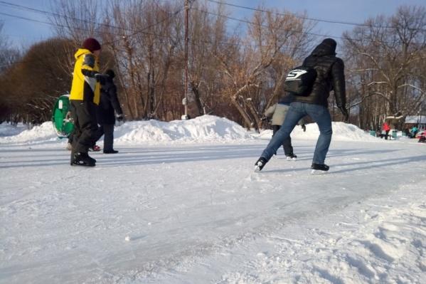 Каток в парке Гагарина пользуется большой популярностью у самарцев