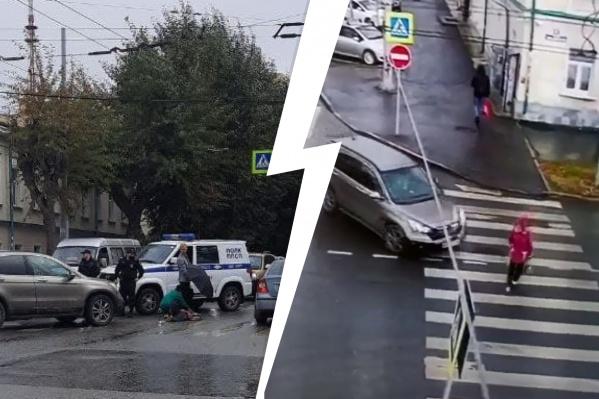 68-летняя женщина переходила дорогу на зеленый свет, когда ее сбила машина