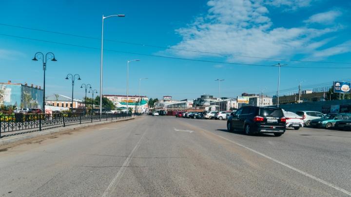 В Омске на Радоницу перекроют улицу Бударина. Оттуда будут ходить автобусы на кладбища