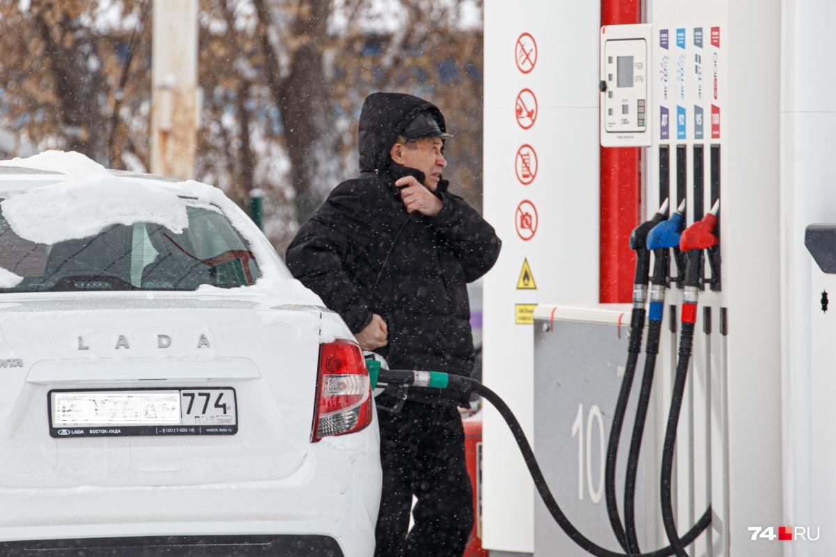 Пока стоимость бензина изменяется несильно, но как скажется январское повышение акцизов?