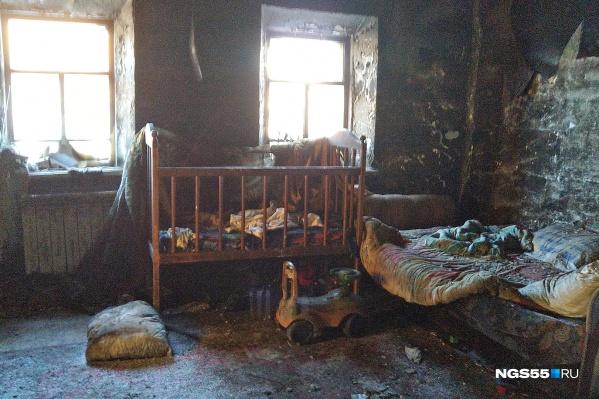 Мать и старший сын сейчас находятся в ожоговом центре