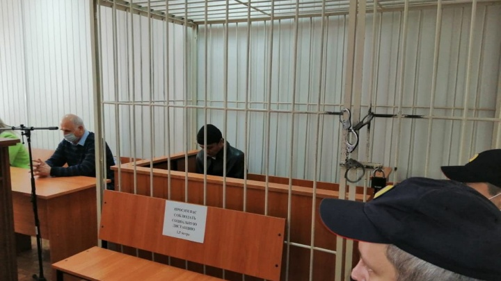 Кромсал жену ножом на глазах восьмилетней дочери: уроженца Таджикистана отправили в колонию строгого режима