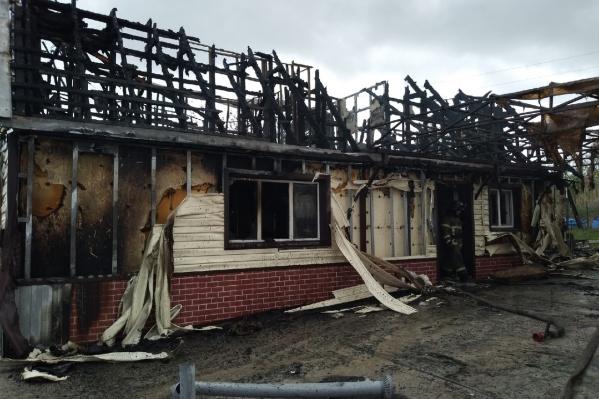 Пожар в Кировском районе тушили 2,5 часа