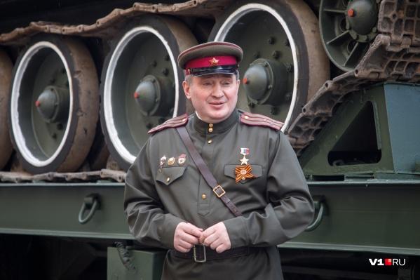Доход губернатора за прошлый год уменьшился на пять тысяч рублей