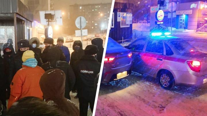 «Назревает массовая драка!» Росгвардия приехала к ЖК «Московский квартал», где жители воюют за парковку