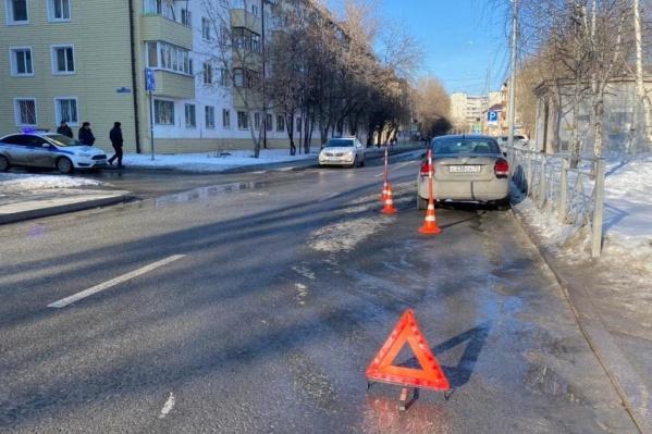 Авария произошла недалеко от школы