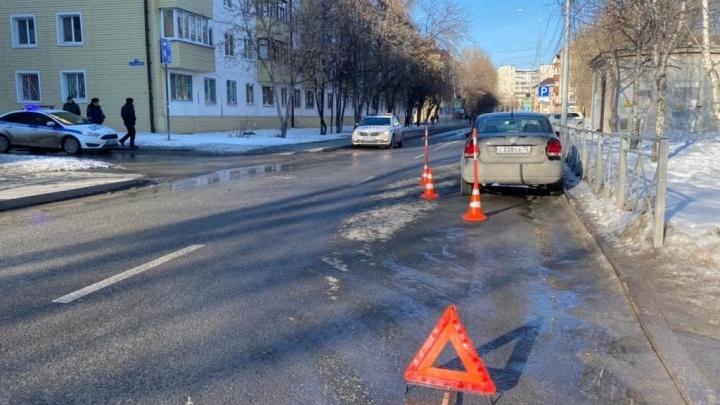 У школы на Парфёнова сбили двух четвероклассниц