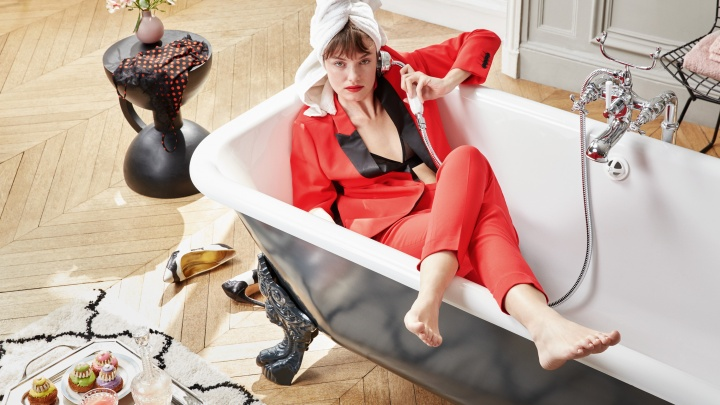 Парижская осень: Jacob Delafon представил коллекции ванн из классических и альтернативных материалов