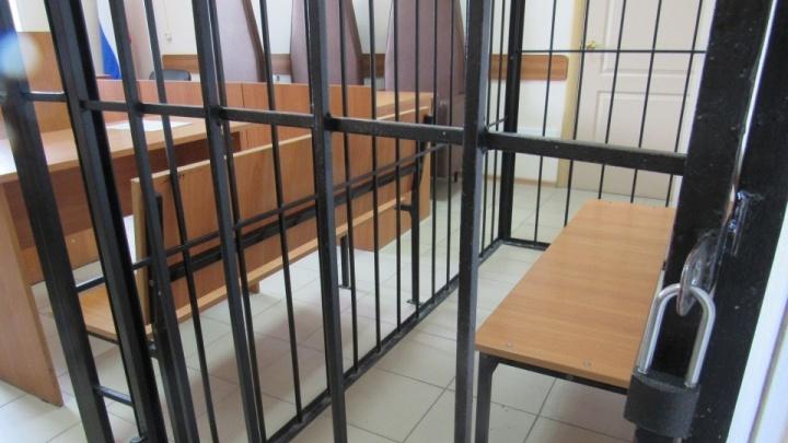 В Кургане по подозрению во взяточничестве задержали экс-командира роты ГИБДД