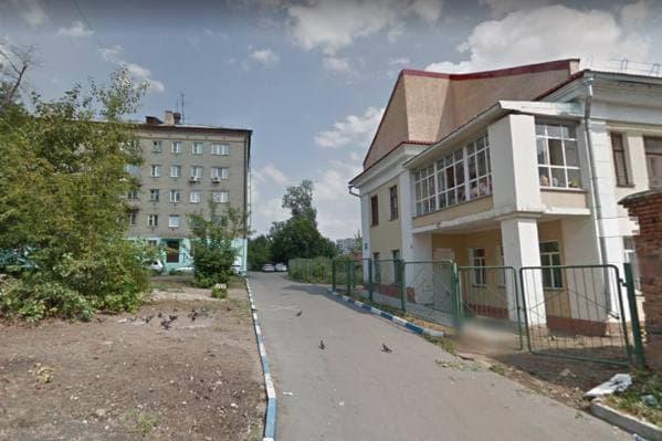 Реабилитационный центр (на фото — справа) находится в Железнодорожном районе