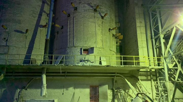 На заводе в Екатеринбурге рабочий погиб под завалами гипса