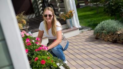 Сибирячка создает идеальные сады как в американских фильмах: она раскрутила бизнес с 16 тысяч рублей
