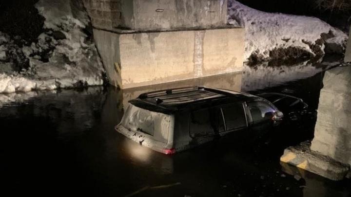 Стало известно, почему в Екатеринбурге возникла дорога-ловушка, где массово утонули автомобили