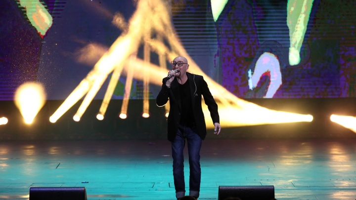 Певец Шура исполнил свою мечту и спел на сцене НОВАТа