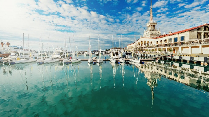 Куба, Эмираты, Кипр и Абхазия: где провести майские выходные и сколько это будет стоить