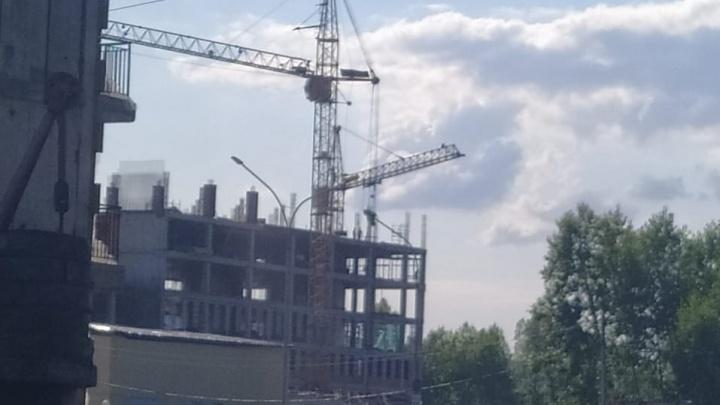 Правительство РФ даст Кузбассу 300 млн на достройку скандальной больницы с кривыми стенами