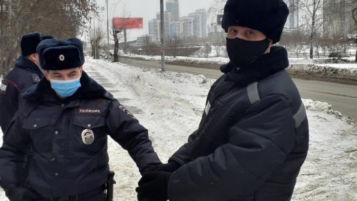 В Екатеринбурге следователи раскрыли убийство 20-летней давности. Преступника нашли по ДНК