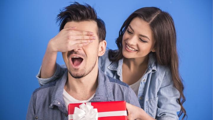 Носки в топку: как выбрать особенный подарок под типаж мужчины