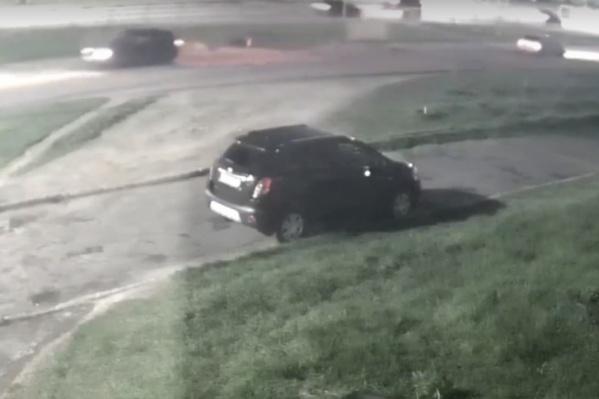 За рулем автомобиля, сбившего двух человек, находился 27-летний ярославец