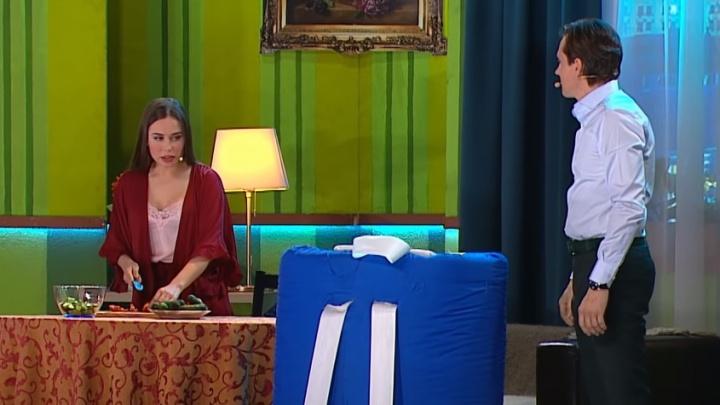 «Уральские пельмени» показали запрещенную для телеэфира сценку, в которой высмеяли реформу образования