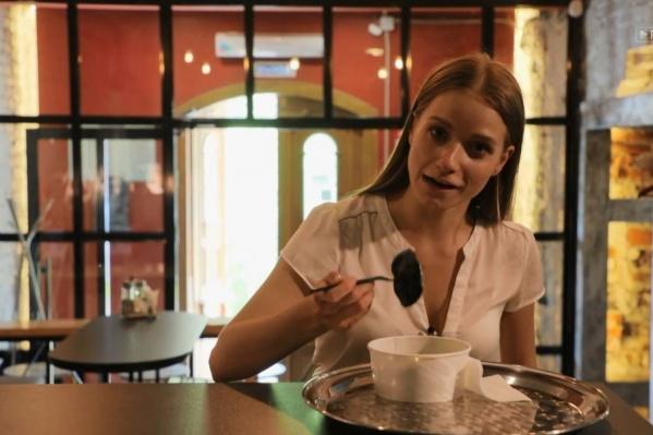 В пельменной обедала ведущая Оля Антипова
