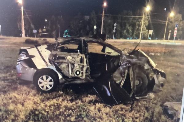 От удара автомобиль превратился в груду металла