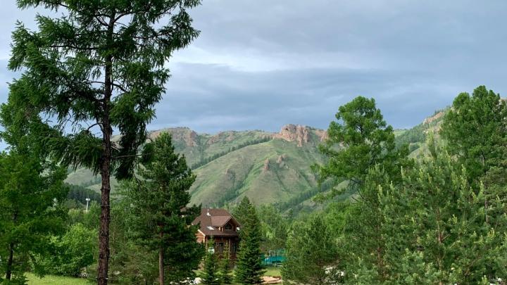 Куда податься на майские каникулы: изучаем базы отдыха на Базаихе с видом на горы— от 350 рублей за сутки