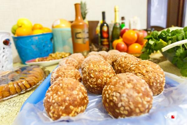 На финальном гала-ужине организаторы должны накормить не более 120 человек
