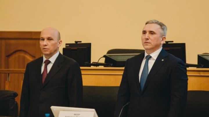 Все постановления в Тюменской области теперь подписывает вице-губернатор Сарычев. Почему не Моор?