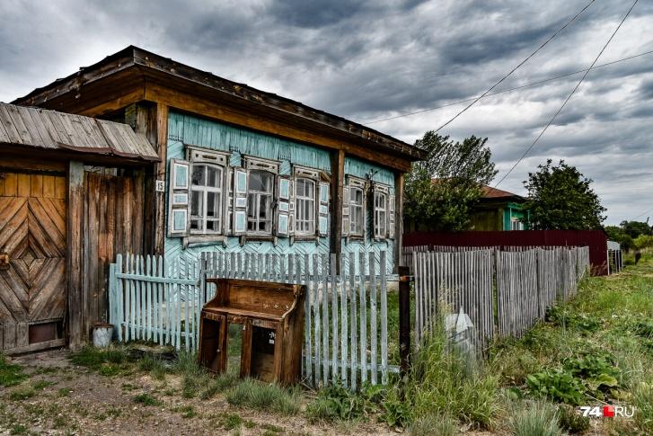 А это типичный дом на улице Борьбы