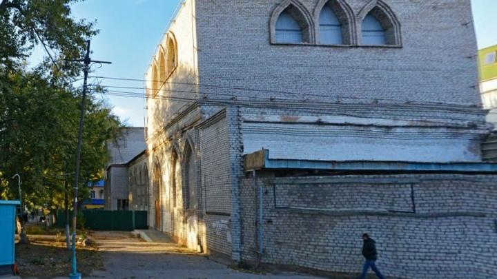 Церковь-кинотеатр на Революционной признали самостроем