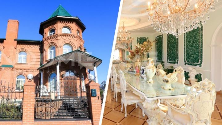 В левобережье продают элитный замок с видом на бараки — смотрим дорогие интерьеры (в доме даже кафель от Versace)