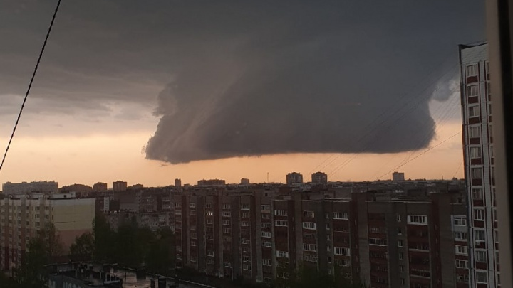 Гроза, ливень, ураган в Ярославской области: собираем самые яркие кадры