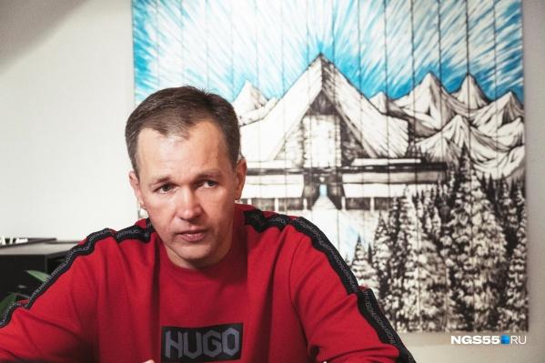 Дмитрию Ушакову 40 лет, 15 из них он работает в политике