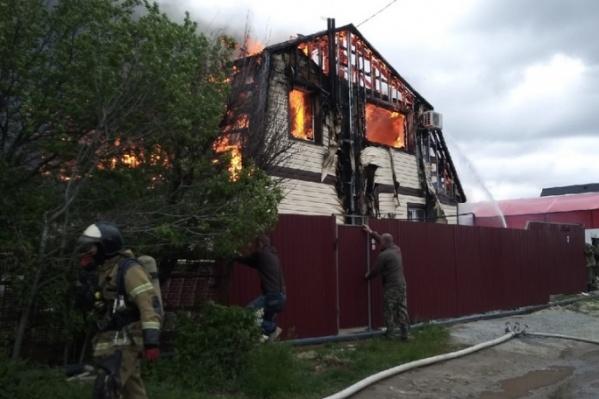 Дом выгорел практически полностью